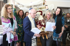 beit-luria-celebrates-its-official-opening-and-the-receiving-of-a-torah-scroll-donation_oct3-2019-02