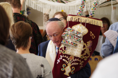 beit-luria-celebrates-its-official-opening-and-the-receiving-of-a-torah-scroll-donation_oct3-2019-03