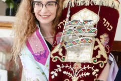 beit-luria-celebrates-its-official-opening-and-the-receiving-of-a-torah-scroll-donation_oct3-2019-04