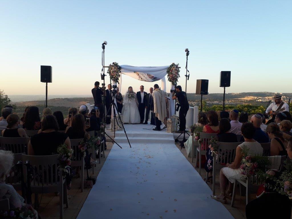 Celebrating the wedding of Netzer South Africa graduate, Leora Kessler in June 2018